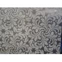 Tapet catifelat alb pe fond argintiu